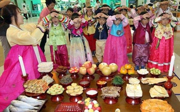 Tết cổ truyền Hàn Quốc