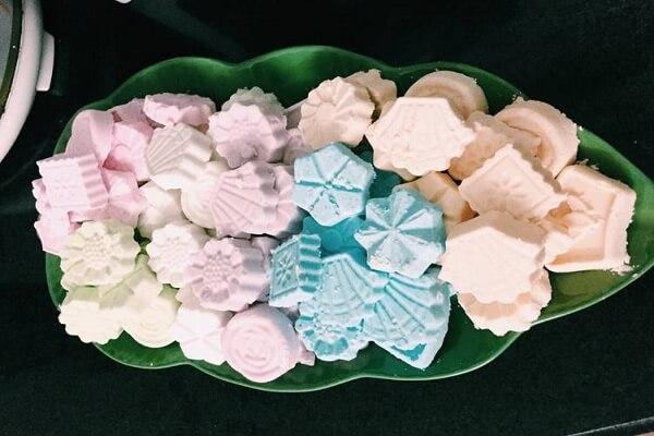 Những chiếc bánh với màu sắc thanh mát, hình dáng dễ thương