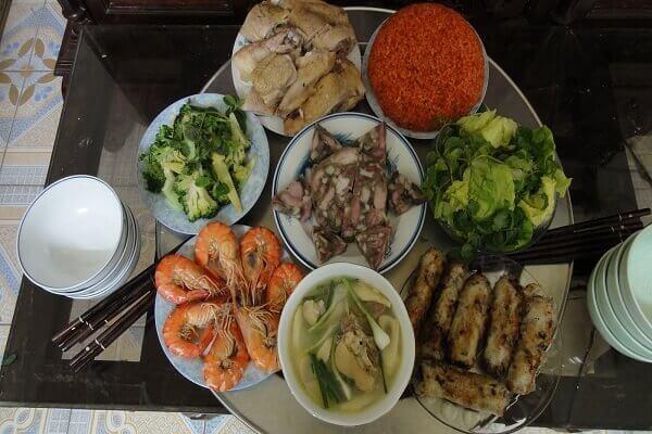 Chuẩn bị thực phẩm đa dạng, an toàn