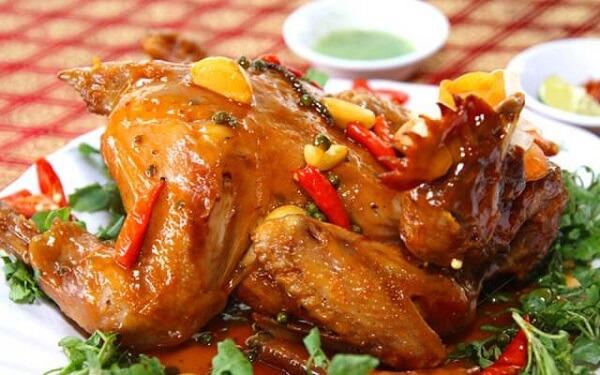 Cách làm gà hấp nước mắm nhĩ