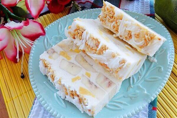 Món kem chuối hấp dẫn với lạc, dừa nạo - Kem tươi là gì, sữa tươi nguyên kem là gì