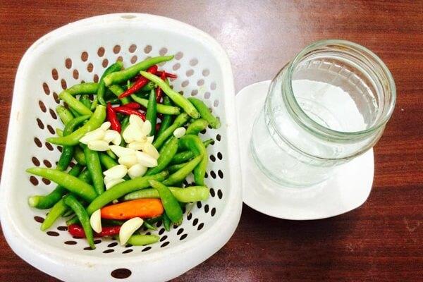Ớt tươi ( 500 gram) - 2 cách làm ớt ngâm nước mắm ăn dần tại nhà, ớt xanh ngâm giấm gạo không bị đóng váng đơn giản