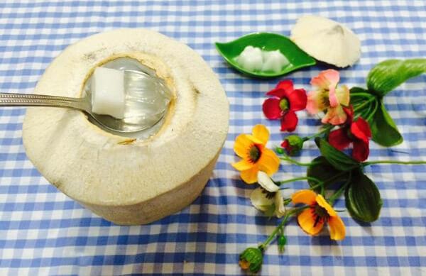 4 cách làm thạch dừa xiêm nguyên trái, thạch rau câu dừa và bánh flan dừa ngon và đơn giản nhất tại nhà