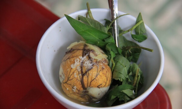 Cách luộc hột vịt lộn ngon và luộc trứng trong bao lâu thì chín