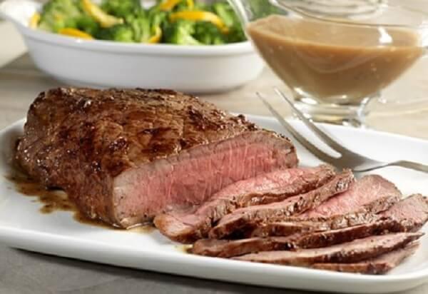 Miếng bò khá dày nêm nếm vừa ăn, giá cả cũng mềm