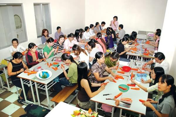 Nhà văn hoá Phụ Nữ Thành phố Hồ Chí Minh - Quận 3, Quận 7