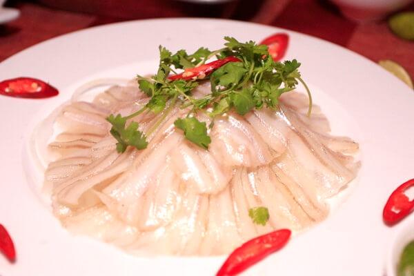 Món ngon gỏi cá Mai hấp dẫn ở Vũng Tàu (Ảnh: ST)