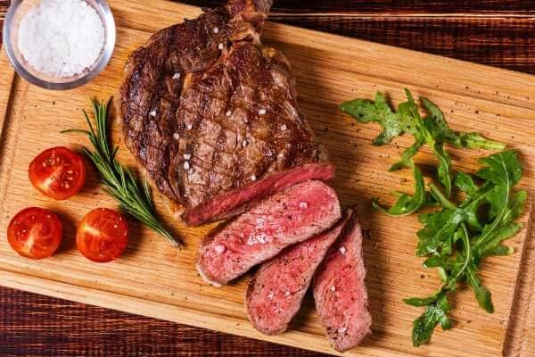 Hướng dẫn tự làm món thịt bò bít tết kiểu Ý rất ngon mềm