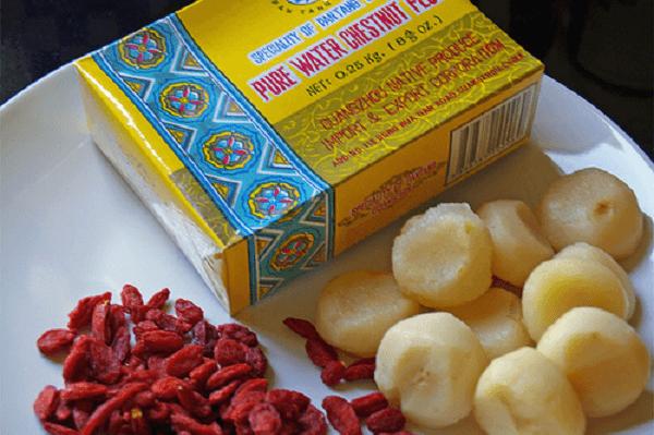 Bột củ năng dùng làm bánh lọt ăn với nước cốt dừa