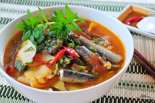 Cách làm món cá kèo nấu canh chua lá giang ngon, bổ dưỡng