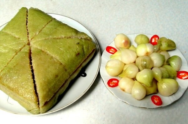 Dân tộc Kinh - Bánh chưng, bánh tét, củ kiệu