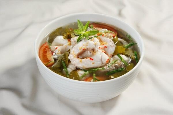 Canh cá là món ăn ngon miệng và thanh mát giúp giải nhiệt ngày hè