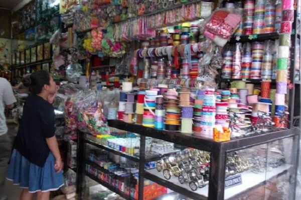 Cửa hàng thủ công mỹ nghệ Ngàn Thông.