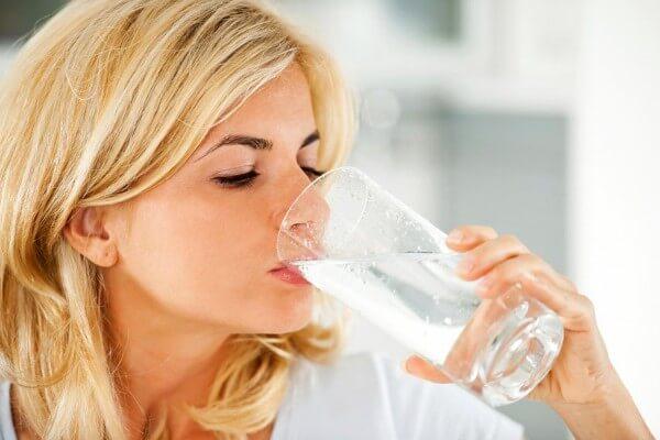 Cách giảm cân nhanh nhất ngạy tại nhà bằng cách uống nhiều nước