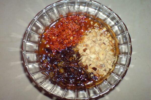 Cách làm bánh tráng me Tây Ninh ngon với nước sốt me đậm đà chỉ 6 bước tại nhà