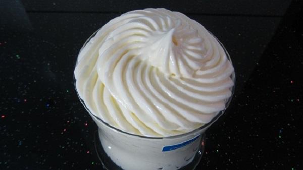 Hướng dẫn công thức và cách làm kem bánh gato từ lòng trắng trứng