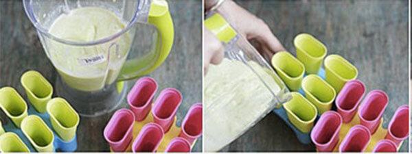 Đem phần kem tươi vừa đánh bông vào trộn đều với phần bơ sữa vừa xay