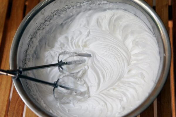 Làm whipping cream