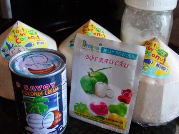 Phần bột rau câu, nước cốt dừa - cách làm thạch hoa quả nhiều tầng