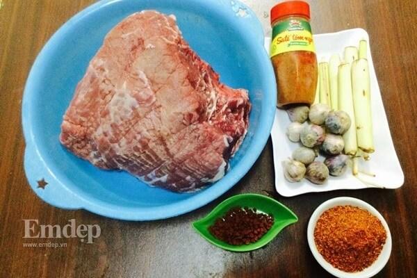 Nguyên liệu làm thịt bò khô xé sợi