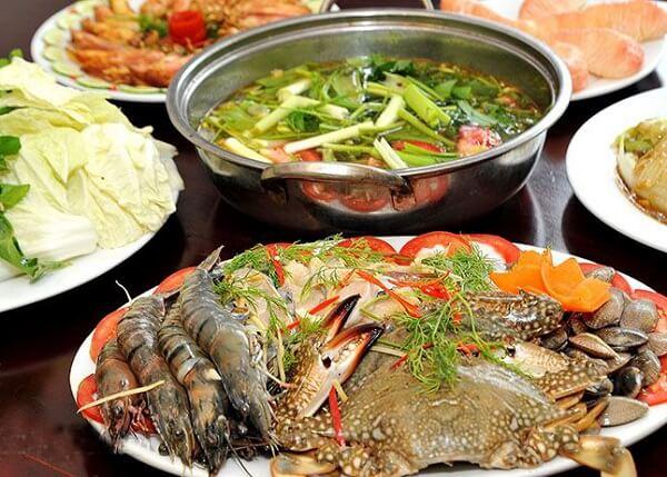 Cách nấu lẩu hải sản với xương ống tôm mực ngon nhất