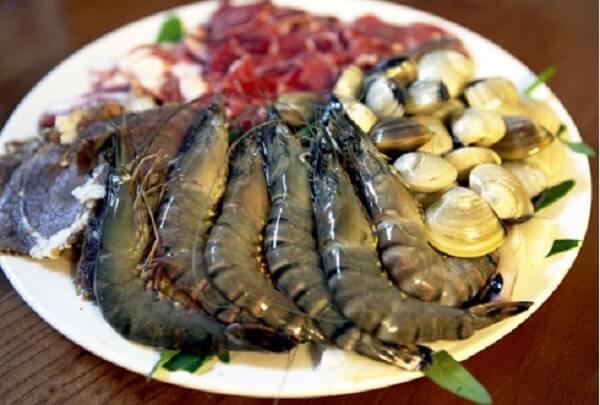 Các loại hải sản ăn chung với lẩu