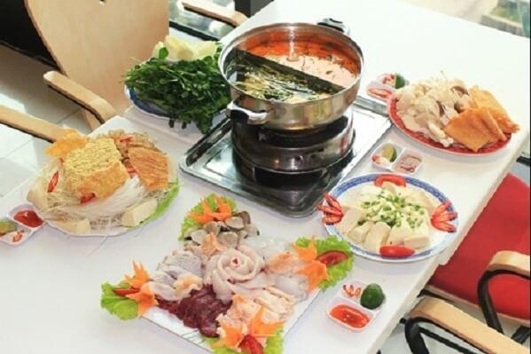 Cách nấu lẩu hải sản thập cẩm chua cay kiểu Thái, lẩu hải sản chua ngọt ngon nhất tại nhà