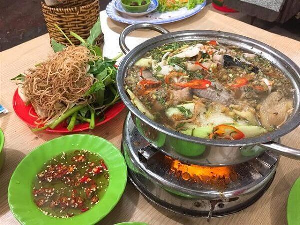 Lẩu Cá Đuối Trương Công Định.