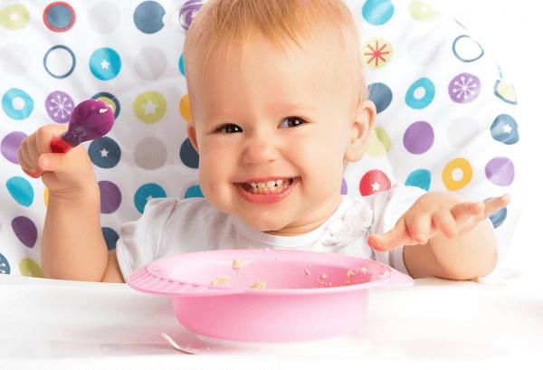 7 mẹo đơn giản giải quyết tình trạng trẻ biếng ăn