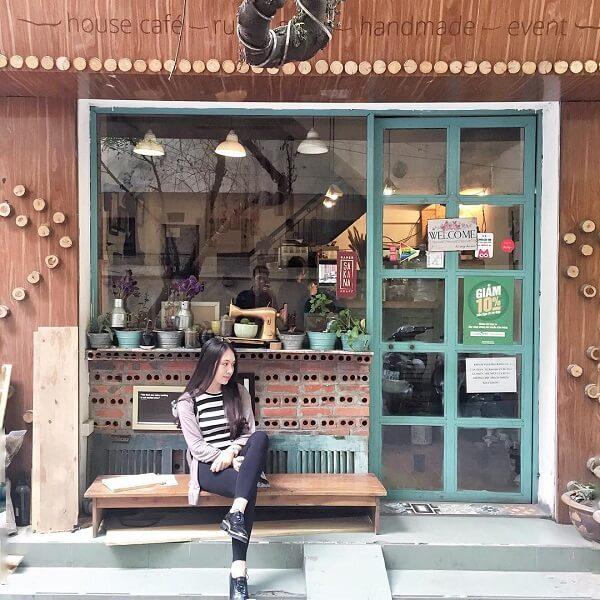 Rauta - Cafe cho người độc thân phong cách mộc mạc