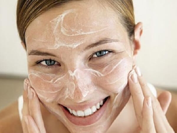 Các bước rửa mặt trong chu trình dưỡng da