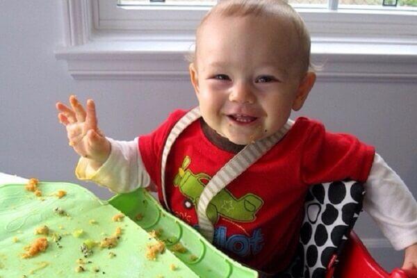 Ăn dặm kiểu Nhật 13 tháng, bé có thể tự ăn