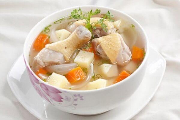 Canh gà hầm khoai tây vừa mềm vừa ngọt lại có mùi thơm lừng Ảnh Internet