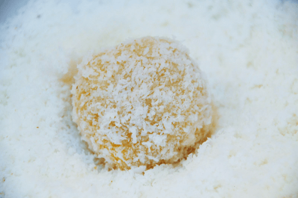 Bánh bí đỏ nhân phô mai quyến rũ nồng nàn.