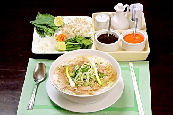 Cách nấu bún sườn Hà Nội - 4 cách nấu bún sườn chua dọc mùng, bún sườn Hà Nội thơm ngon, dễ làm ngay tại nhà