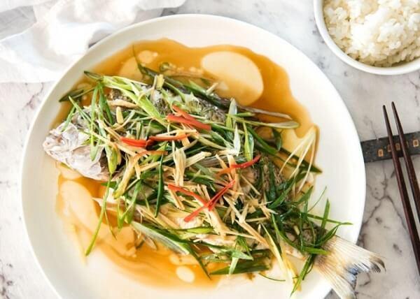 Cá hấp hành gừng đậm đà hương vị quê hương