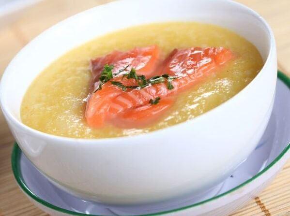 2 cách nấu cháo cá hồi cho bé 7 8 tháng ăn dặm không tanh, nấu với rau bina, cải ngọt, khoai tây cà rốt