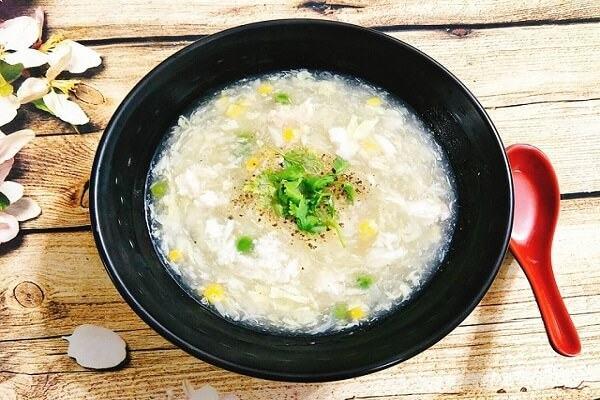 Cách nấu súp cua gà trứng cút nấu nấm đơn giản