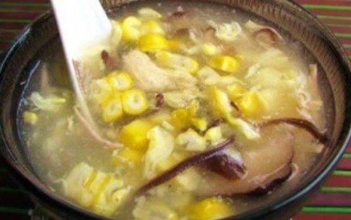 Súp gà nấm hương thơm ngon đã hoàn thành