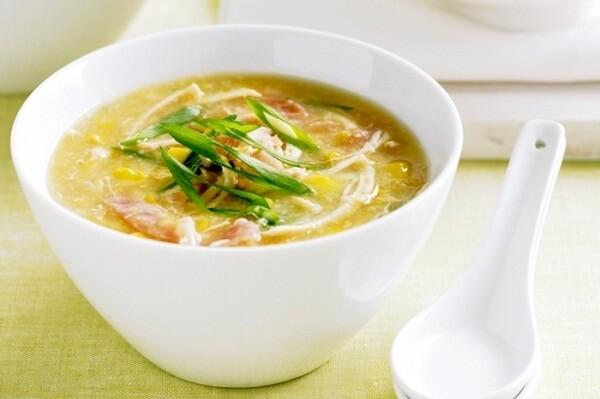 Các công thức nấu súp gà thơm ngon dễ làm cho bé ăn dặm, cho người bệnh ốm