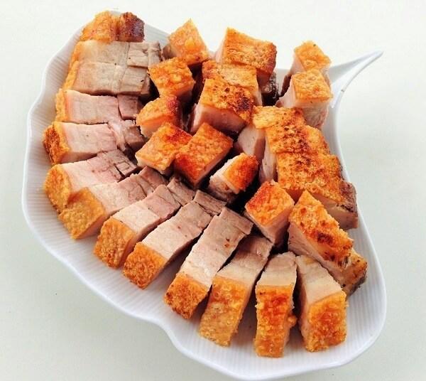Thịt lợn nướng lò không bị cháy, vàng đều, hấp dẫn