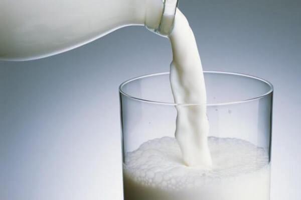 rua mat bang sua tuoi, rửa mặt bằng sữa không đường, sữa tươi không đường rửa mặt