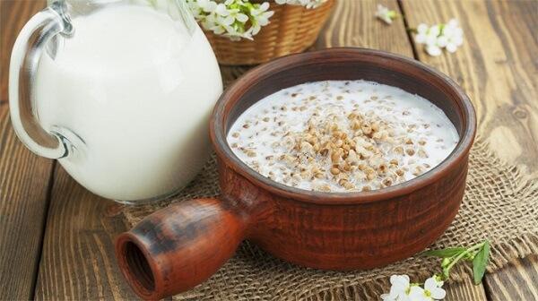 dùng sữa kiều mạch thay cho nước uống hằng ngày