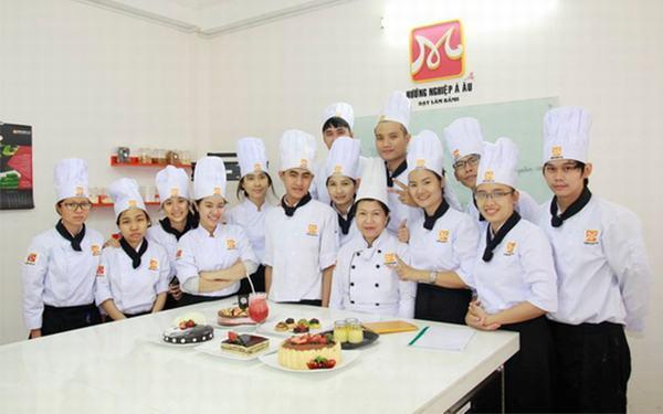 lớp dạy làm bánh kem tại tphcm, trung tâm dạy làm bánh
