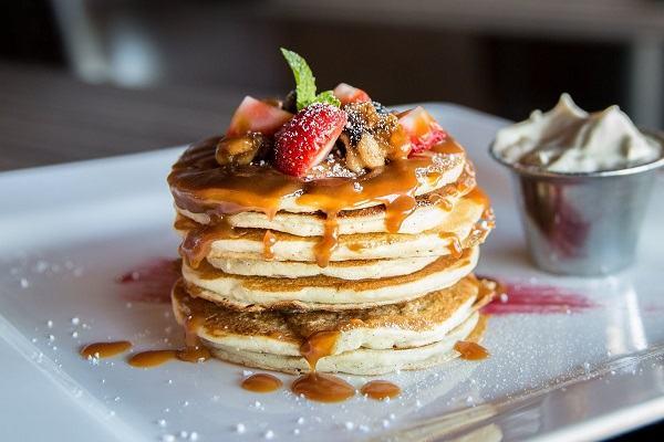 2 cách làm bánh Pancake truyền thống, Pancake Chocolate bằng chảo chống dính (không cần lò nướng)