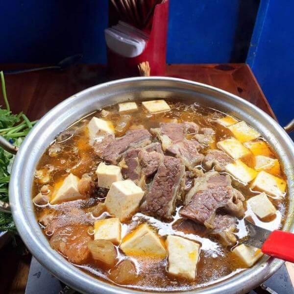 Lẩu bò Nàng Hương.