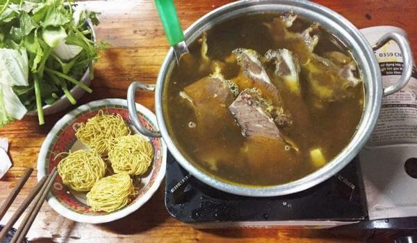 Lẩu bò Ba Toa là một quán lẩu ngon nổi tiếng của Đà Lạt