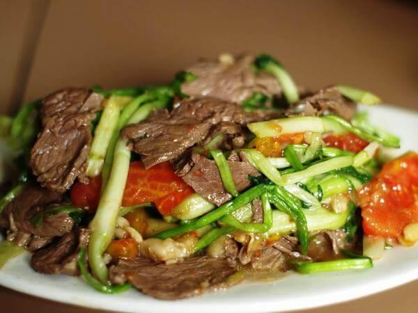 Cách làm rau cần xào thịt bò ngon cơm gia đình