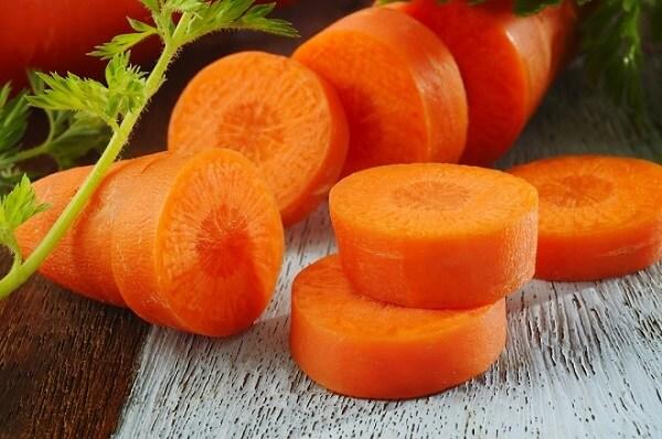 Trong cà rốt có chất dinh dưỡng làm chậm quá trình lão hóa cho làn da và vitamin A