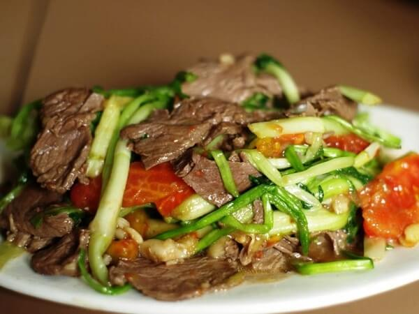 Cách xào thịt bò với cần tây 2